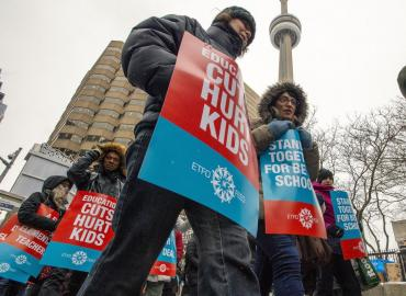 Striking ETFO members picket in Toronto